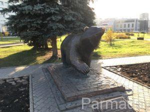 Памятник идущий медведь в Перми