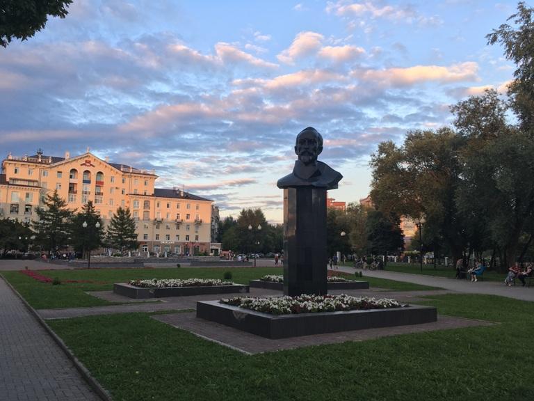 Сквер Дзержинского