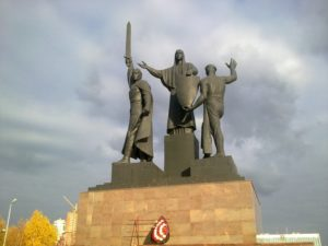памятник героям ВОВ на эспланаде в Перми