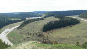 Серый камень в Пермском крае и река иргина