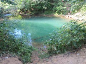 Глубина голубого озера на Чусовой