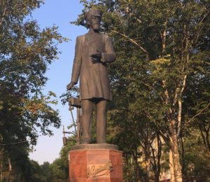 Скульптура Славянова в Перми
