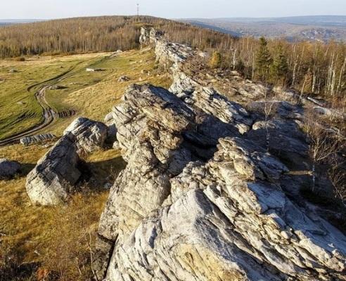 Хребет горы Крестовой