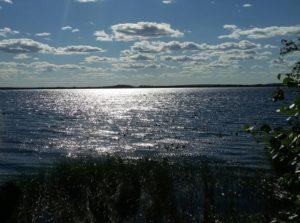 Озеро Нюхти при солнечном свете