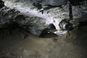Лазы в галерее в Бабиногорской пещере