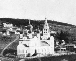 Церковь в поселке Кын
