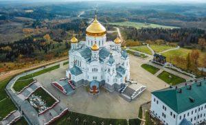 Крестовоздвиженский собор Белогорского монастыря фото
