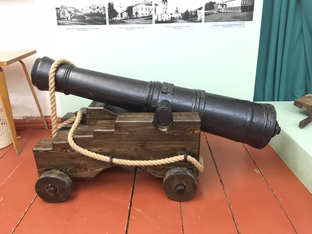 Пушка 1733 в экспозиции соликамского музея
