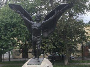 Памятник Летуну в Кунгуре