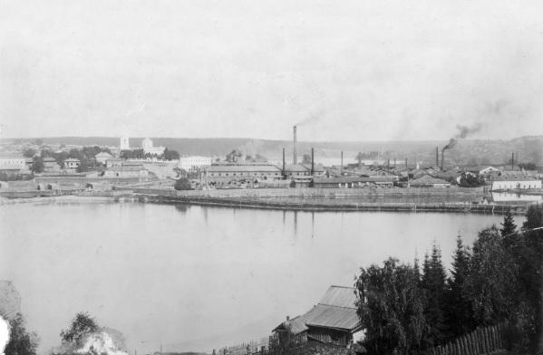 Дорянский чугунолитейный завод на фото XX век