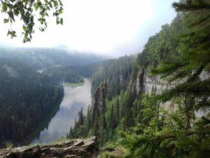 Усьвинские столбы летом в Пермском крае