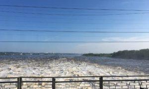 сброс воды на камской ГЭС