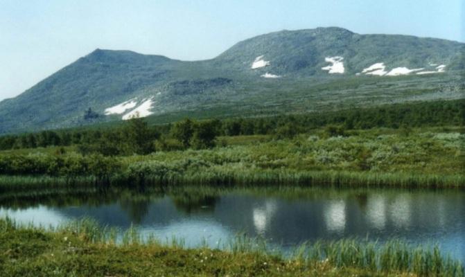 горное озеро в заповеднике Вишерский