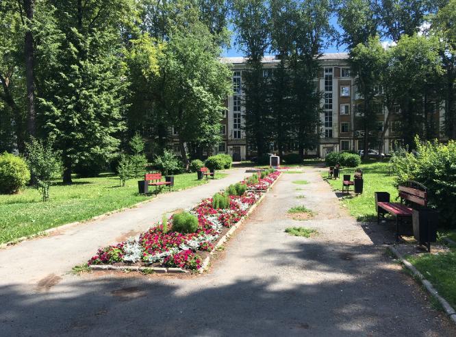 Сквер у дома специалистов в Перми