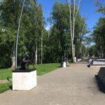 Аллея с памятниками героям Чехова